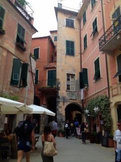 Monterosso Street