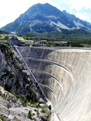 Dam at Lago di Cancano