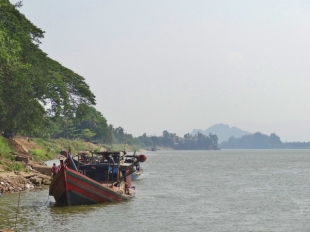 Boat on the Thanlyin River