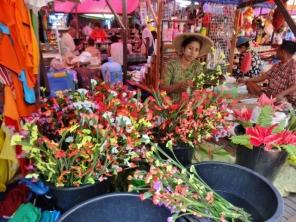 Hpa An Market, Flower Vendor