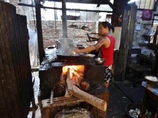 Khit Thit, Kitchen