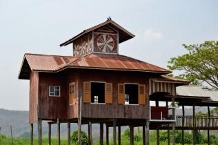 Small Monastery (Inle Lake)