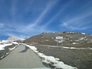 Approaching Xinaliq from Quba