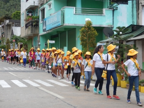 Girl Guides in Yellow