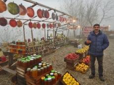 buying-fresh-pomegranates