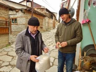 buying-sheepskin-hats