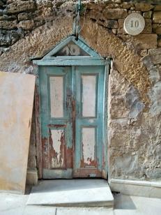 old-city-doorway-for-little-people