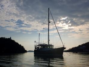 MOKEN in Pearl Bay