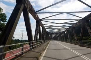 bridge over the kinabatangan