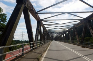 bridge over the kinabatangan